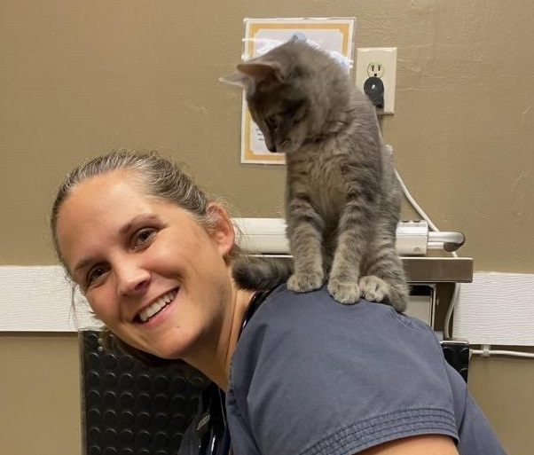 At Animal Doctor Westside, keeping your pet happy and healthy is our goal. Providing medical care shouldn't cause additional anxiety for your pet. By practicing in a Fear Free way, we can decrease the fear and anxiety of clinic visits which allows us to provide better and more consistent medical care for your pet.